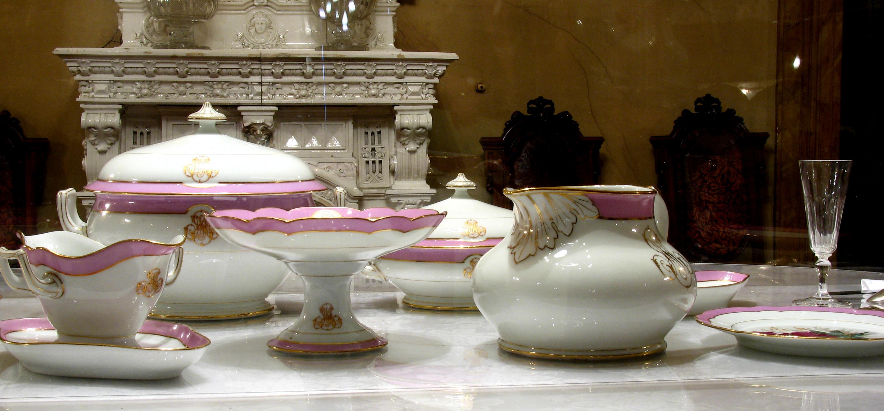 Servizi in porcellana francese Pillivuit